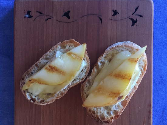briehoneycrostini